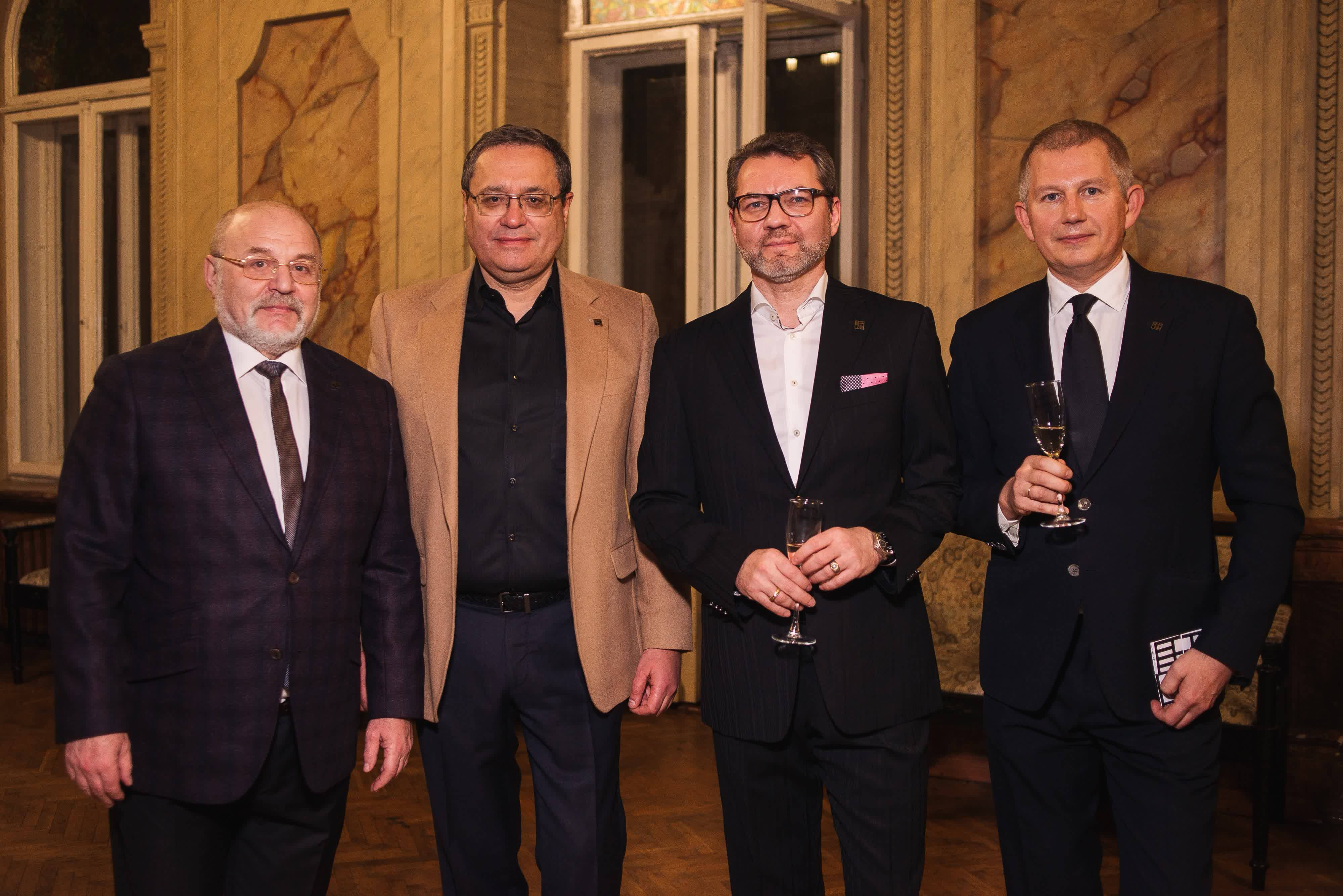 РІЧНИЦЯ UKRAINIAN CLUB OF CONTEMPORARY ART COLLECTORS